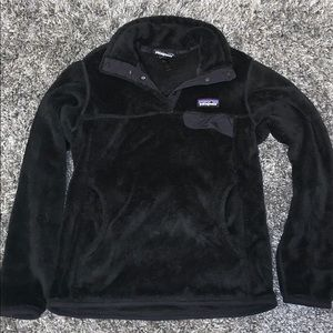 black patagonia fleece pullover